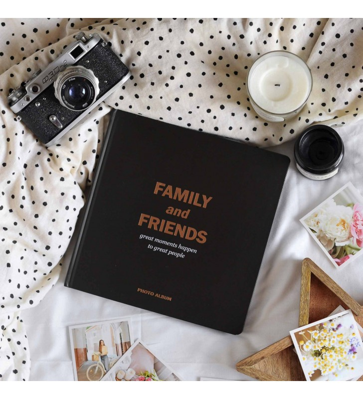 """Фотоальбом """"Family and friends"""" black edition"""